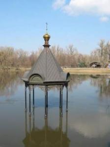 Разлив Донца в Святогорске добрался до дороги.