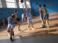 Ізюмські баскетболісти  вийшли у фінал восьми команд першості Всеукраїнської юнацької баскетбольної ліги