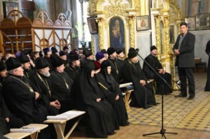 В Изюме состоялось епархиальное собрание духовенства Изюмской епархии.