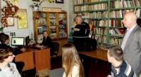 Ізюмські гімназисти спілкувалися із народним депутатом