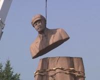 У Лозовій демонтували пам'ятник Леніну