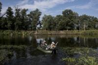 Як працюють нелегальні водні переправи через Сіверський Донець