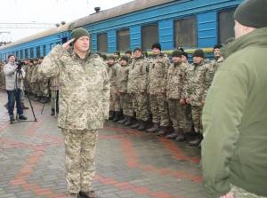 На залізничному вокзалі у Чугуєві урочисто зустріли бійців 92 бригади