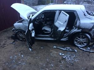 В Ізюмі згорів новенький автомобіль