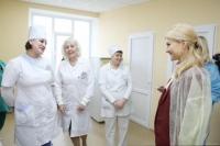 Юлія Світлична ознайомилася з ходом ремонтних робіт в Ізюмській лікарні.